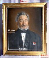 Portrait d'un Homme de Qualité décoré de La Légion d'Honneur vers 1830 Pastel
