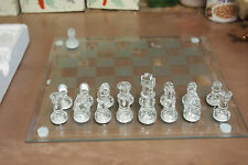 House of Lloyd Glass Act Chess Set – Use for display or play with your friends