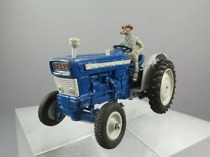 Vintage Britains Farm ~ Ford Super Major 5000 Diesel Tractor & Driver ~ 9527