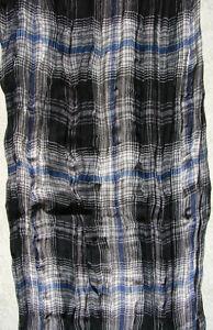 Lässiger Schal in Schwarz, Grau, wenig Blau, Weiß - angenehm tragbare Viskose