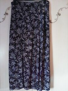 EVANS ESSENCE BLACK WHITE FLORAL PULL ON STRETCH  SUMMER MAXI SKIRT SIZE 20