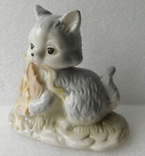Porcelain cat ornament kitten figurine with straw hat