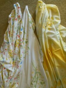 LOVELY  VTG. floral  KING  SIZE  FLAT  SHEET   3 sheets available,