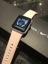 Apple Watch Series 2 38mm Nike+, in Weiß/Rosa