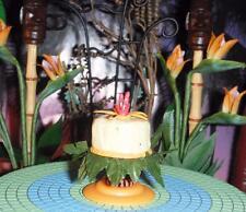 American Girl Miniatur AG Mini Accessories The Tiki Party Set Hawaiin Cake Stand