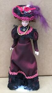Victorian Lady In A Burgundy Dress With A Stand Tumdee 1:12 Scale Dolls House C