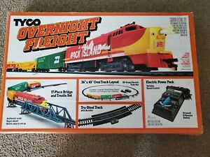 Tyco 1988 Overnight Freight Ho Scale Train Set Electric