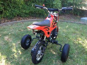 Adjustable Training wheels for 49cc pocket monkey bikes 50cc Lei Atomic