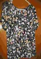 V Neck Floral Shirt By Liz Claiborne Size 1X