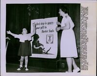 LG781 1963 Original Photo EASTER SEAL POSTER GIRL Winner Playing with Bubbles