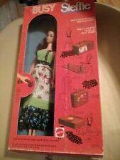 Busy Steffie with holdin' hands Nrfb 1970S 1972 Foreign Canada Ltd variation