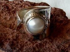 STERLING SILVER ADJUSTABLE 17mm. BAND RING with a FRESHWATER PEARL £34.95 NWT