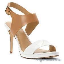 04121a470443 MICHAEL Michael Kors CLAUDIA Mid Heel Sandal OPTIC SUNTAN Sz. 10 M NIB