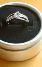 SOLITAIRE  ENGAGEMENT RING DIAMOND CUT.WHITE GOLD FILLLED.  SIZE. P.