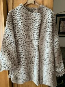 Ladies Centigrad fur cape cream mix s/m used