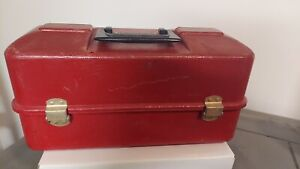 VINTAGE UMCO TACKLE BOX-no.1133P from Watertown Minn.