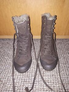 CATERPILLAR  Ladies Boots Brown Mid Calf 4 ,In Excellent Condition