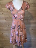Forever 21 Floral Swing / Skater Dress, Size Small, Mini, Short Sleeves, V Neck