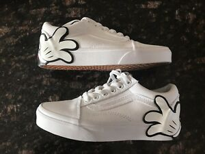 Vans x Disney Mickey Mouse Hand  Old Skool Shoes Sneakers - Sz 3.5 NEW SOLD OUT