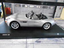 BMW z8 Roadster v8 5.0 argent silver Cabriolet 2000 - 2003 KYOSHO Dealer 1:18