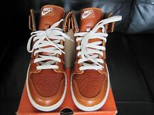 Nike Dunk High Limited Edition Premium Brit taille 8/U.S.A 9.