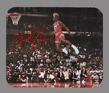 Item#2825 Michael Jordan Dunk Chicago Bulls Facsimile Autographed Mouse Pad