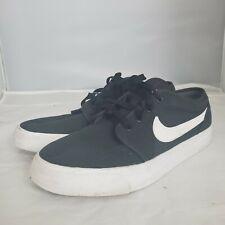 Nike Toki Low Skateboarding Shoes Men Size 8.5 Athletic Shoes 555272-020