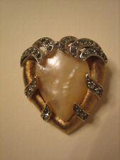 Trifari vintage anni '50 rara spilla dorata cuore con madreperla e strass