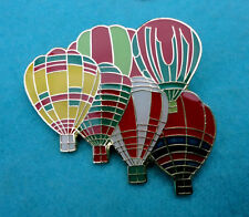 ZP84 Group Of Hot Air Balloons Brooch Balloon Pin Badge Gondola Wicker Basket