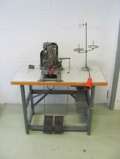 Dürkopp 551-2B Knopflochmaschine Nähmaschine Industrienähmaschine mit Tisch