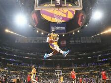 LeBron James  Los Angeles Lakers UNSIGNED Dunk 8X10 Photo (AA)