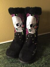 Ed Hardy by Christian Audigier Snowblazer Skull Roses Lined Suede Boots Sz 6