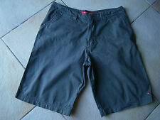 SHORT HOMME GRIS RAYE TAILLE M MARQUE QUIKSILVER