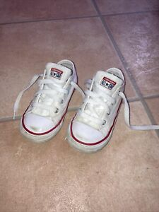 Converse Toddler Size 8 Trainers