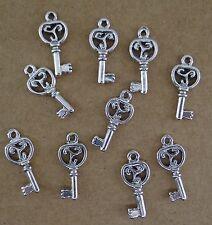 Lot DE 10 breloques clé en métal argenté vieilli pour bracelet,  perles-bc152