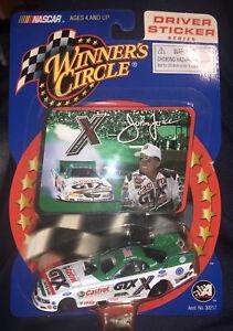 Winners Circle 2002 Ford Mustang Castrol GTX John Force Funny Car 1:64 + Sticker
