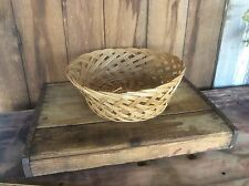 Weaved Wicker Basket ? Ornate Round Crafts Bowl Fruit Basket
