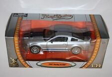 Road Signature - 2007 SHELBY GT500 (Silver + Blue Stripes) - Scale 1:24