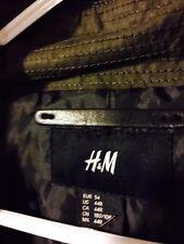 H&M men's US size 44R solid green parka 4 front pockets 2 inside pockets