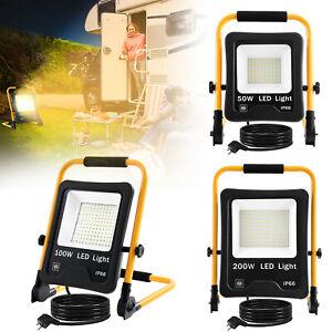 LED Fluter Flutlicht mit Stecker Baustrahler Scheinwerfer + Gelb Stativ 50W-200W