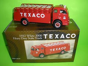 TEXACO 1953 WHITE HEAVY DUTY STAKE BED TRUCK FIRST GEAR 18-2238 NEW D