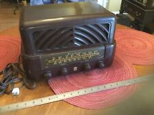 VintaWARDS AIRLINE Antique Bakelite Radio Model 94 BR1535A Walnut Case
