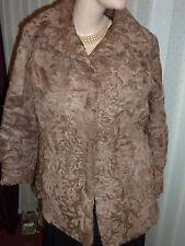 """Femmes Charmant brun clair Indian agneau manteau de fourrure buste 42"""" Taille 14 Longueur 27"""" très bon état"""