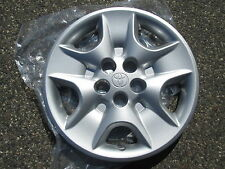 one genuine 2000 to 2005 Toyota Celica hubcap wheel cover new