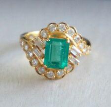 Bague Vintage en or 18K avec Emeraude Colombienne & Diamants