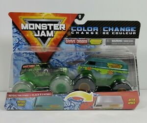 Monster Jam 2020 Color Change Grave Digger vs Scoony Doo Mystery Machine