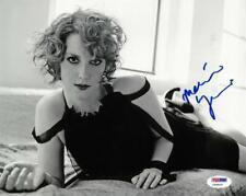 Melanie Lynskey Signed Authentic Autographed 8x10 B/W Photo PSA/DNA #Y34515