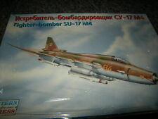 1:72 Eastern Express Fighter Bomber su-17 m4 SENZA DECALS/istruzioni OVP