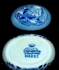 DELFT blu uovo Ovale Forma Pentola con coperchio - 2 1/2 pollici di lunghezza-MULINO A VENTO scena 15032