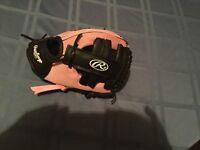 Girls Rawlings glove Tee ball softball pink PL90P 9 inch Fits left hand